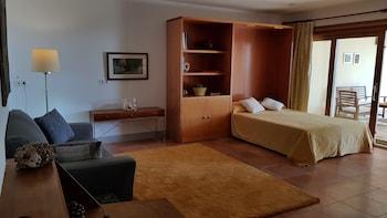 Guests' Suite of Villa Tamarit