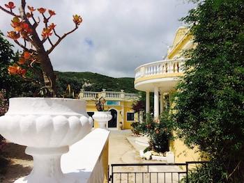 Avra Paradise Aparthotel